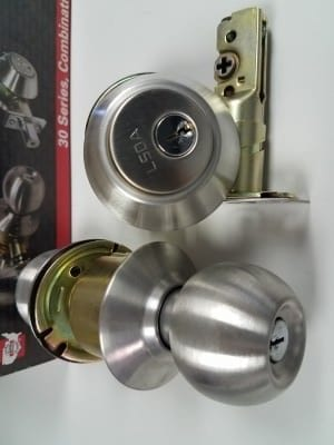 combo lock set door knob and dead bolt locks 2 and keys2 - Copy